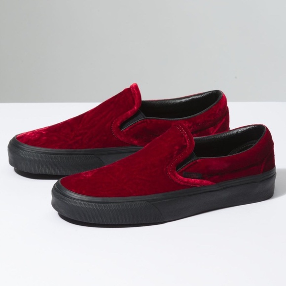 ae151b8973f6 Limited Edition Red Velvet Slip-On VANS. M 5bbbf2f30945e0a63c8865a7